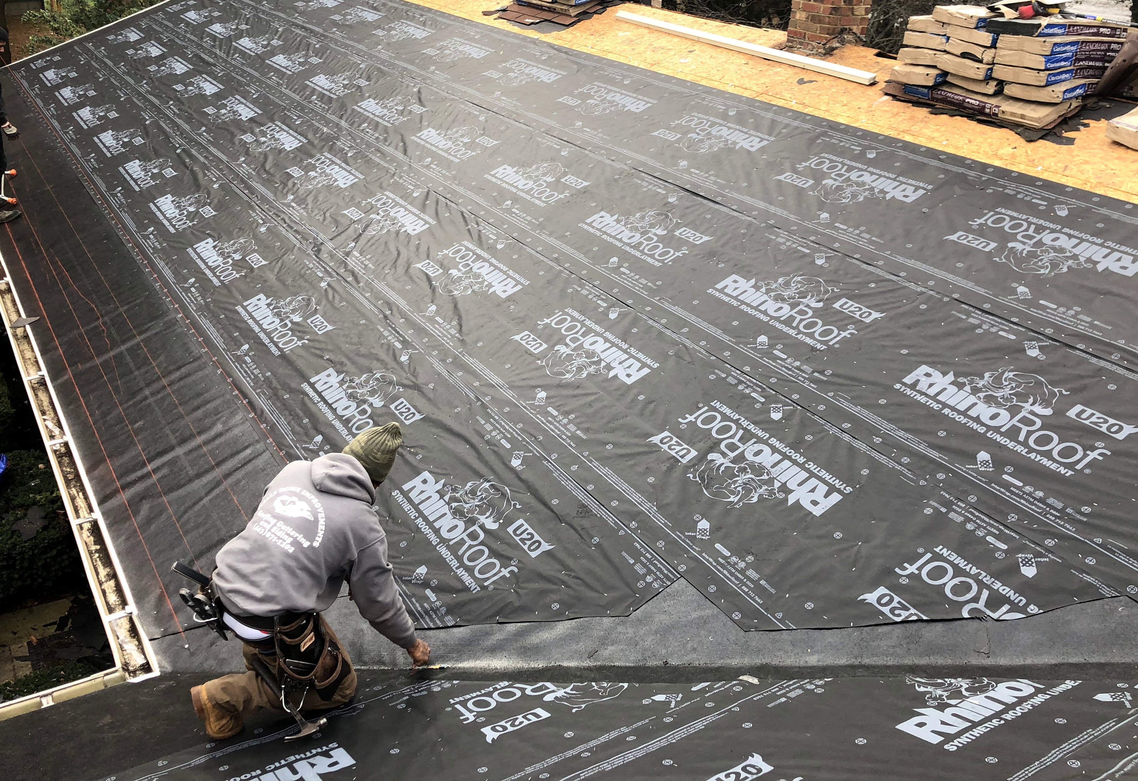 Roofers in Ellicott City, MD 21043