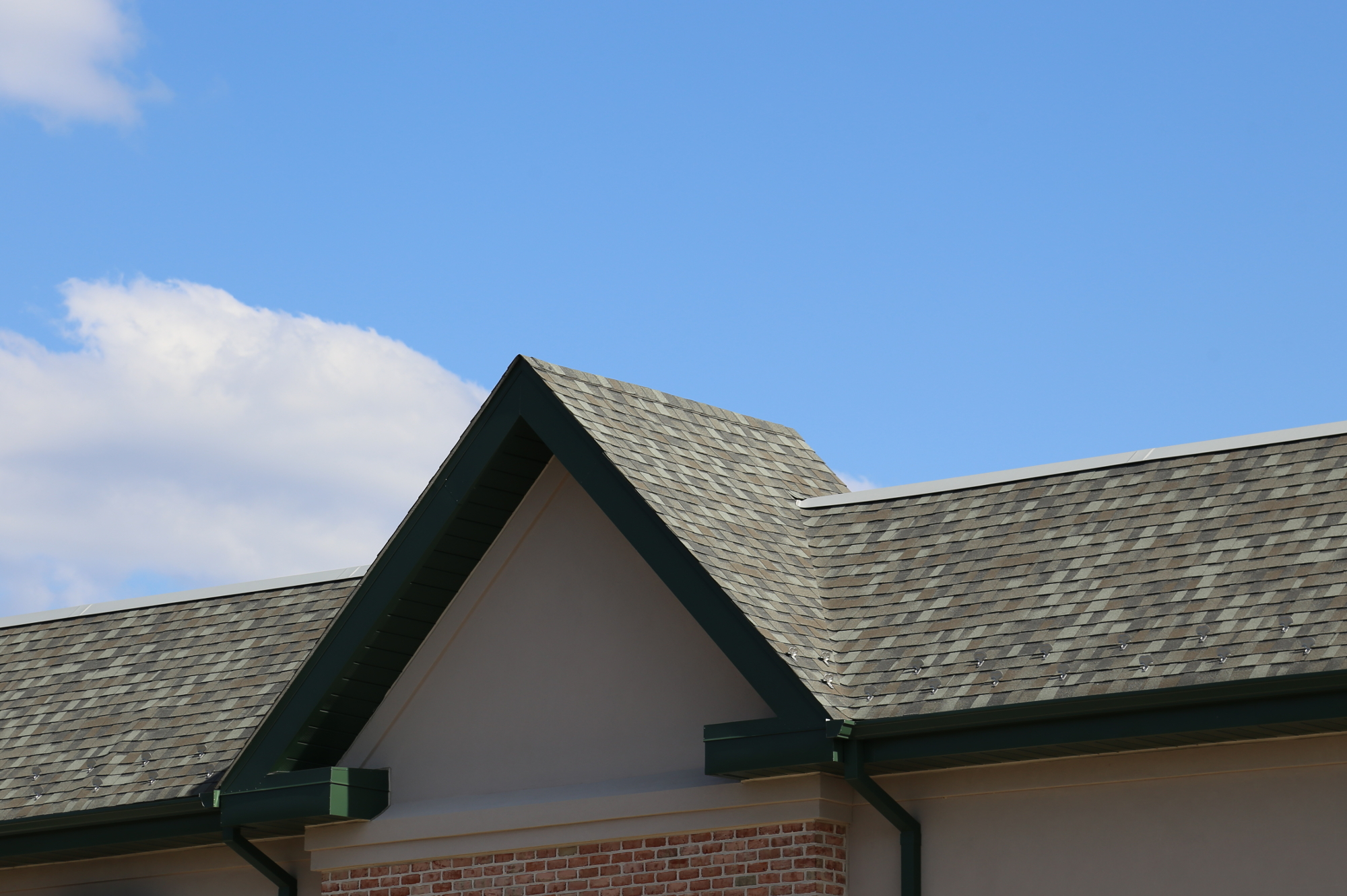 Roofers in Tracys Landing, MD 20779